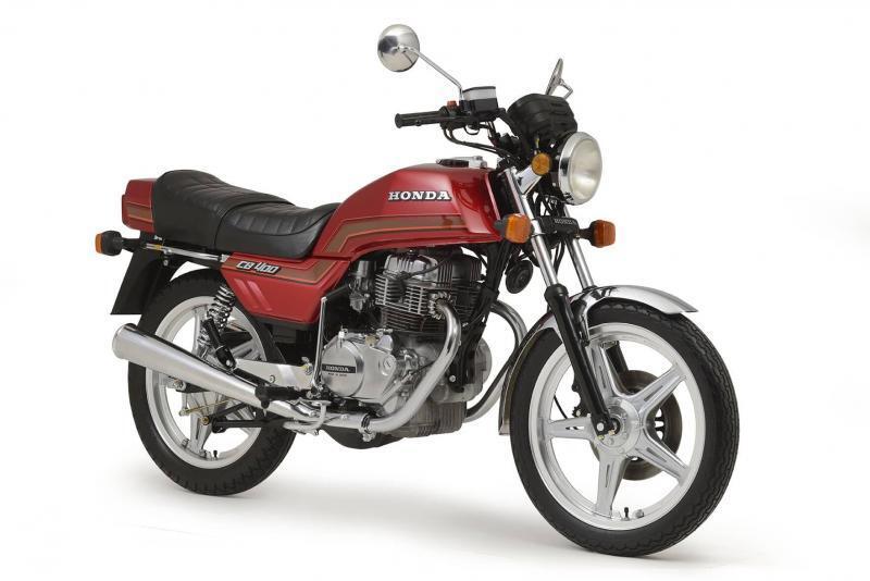 CB 400 Vermelha 1982 3 4D 800x534 - Moto em Detalhe - um guia para o restaurador